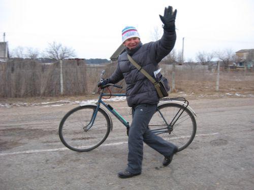 Шумбасов Николай Иванович с велосипедом